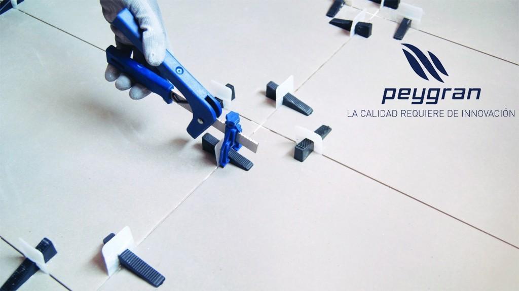 La firma Peygran presenta en feria su gran innovación en la colocación de azulejos